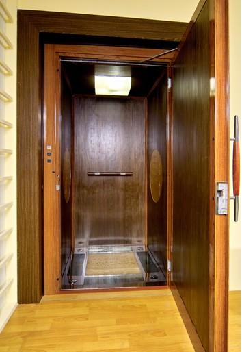 别墅客厅空电梯中式v别墅挑别墅窗帘图片
